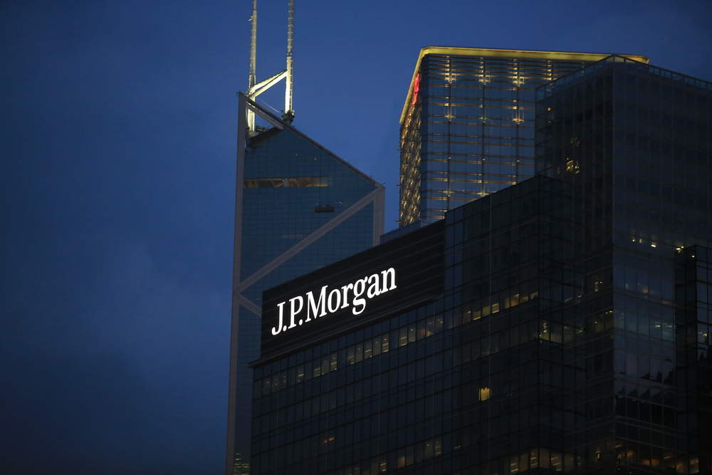 JPMorgan plans to move 200 bankers out of London